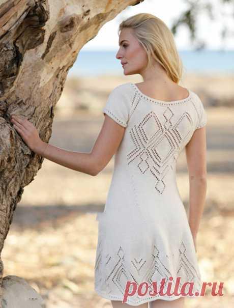 Летнее платье реглан Фелисе с узорчатыми ромбами из славянских оберегов спицами – схемы вязания с описанием
