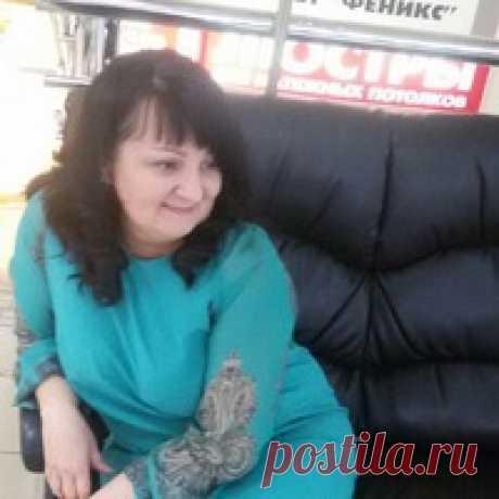 Елена Поколова