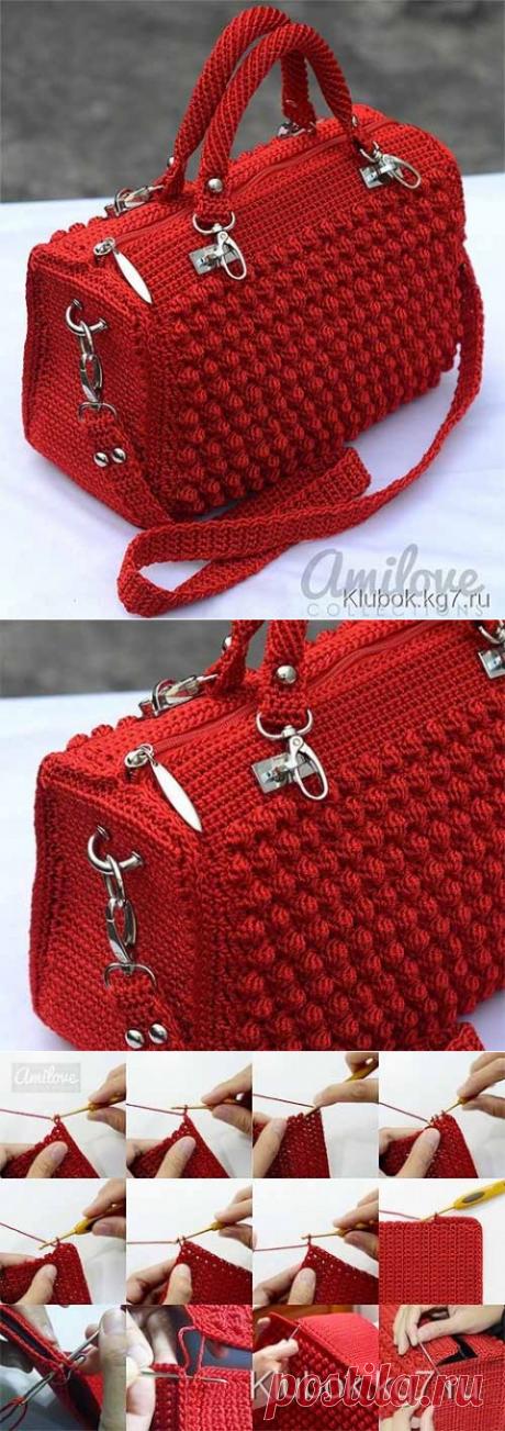 Красивая дамская сумочка