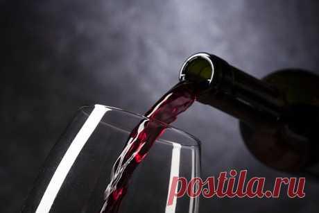 """Определяем крепость ВИНА дома   Журнал """"MY HOME LIFE"""" Если вы решили сделать дома вино, то желательно знать его крепость. Можно просто пробовать готовое вино - если захмелели - вино удалось Ну а как посчитать градусы?"""