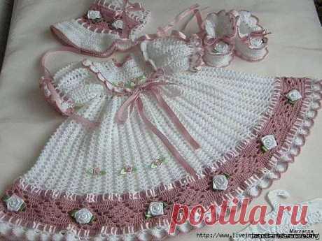 Очень красивое праздничное платье для девочки
