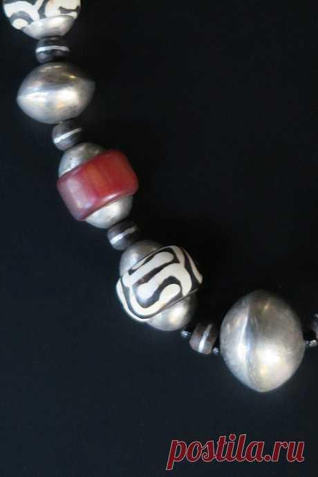 Африканское ожерелье из Крупных племенных украшений Из Старых Бусин
