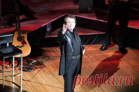 Концерт Рафаэля в Москве - 10 апреля 2019 года - P1097409 | Sovetika.ru - фото-блог
