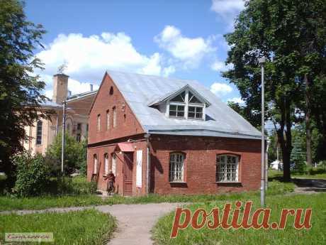 Старинный музейный домик в Пионерском парке Смоленска   ---   Old House In Smolensk  Free Stock Photo HD - Public Domain Pictures