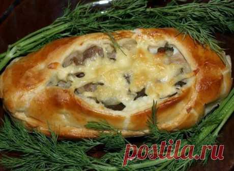 Как приготовить лодочки из слоеного теста с картофелем, мясом и огурчиками - рецепт, ингредиенты и фотографии