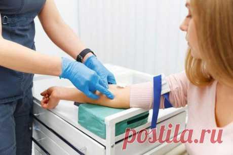 Анализы, которые обязательно нужно сдать каждому... Главное, определиться, какие анализы сдавать, чтобы составить полную картину о состоянии своего здоровья Болезни сердечно-сосудистой системы. Надо сдавать: общий и биохимический анализ крови. Как часто: 2 раза в год...