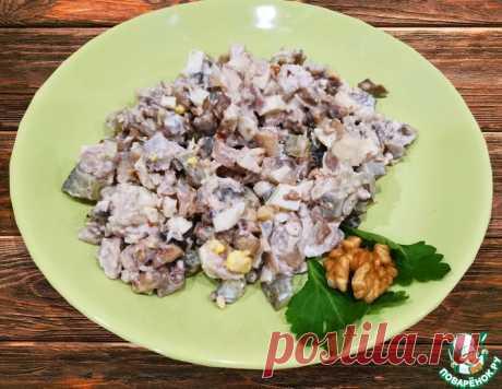 Салат из куриной грудки с грецкими орехами – кулинарный рецепт