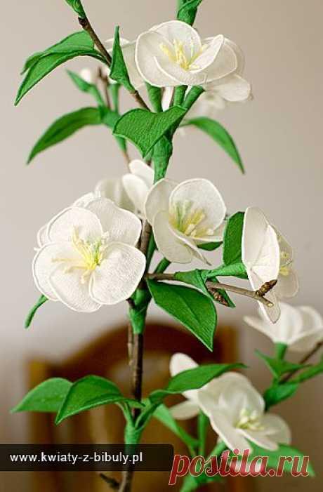 Веточка цветущей вишни из гофрированной бумаги. МК