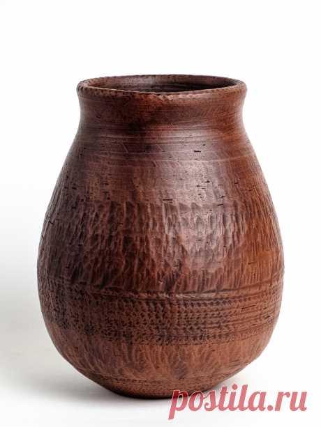 Пузатенькая ваза выполненная на гончарном круге. Молочный обжиг, Лощение, Покрыта ганозисом. Срок годности 5000 лет!