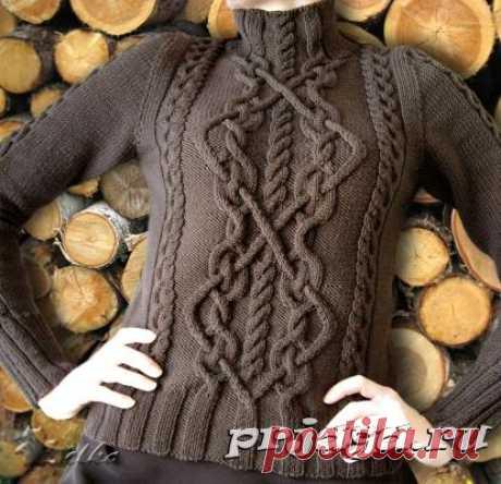 Бежевый вязаный свитер с аранами