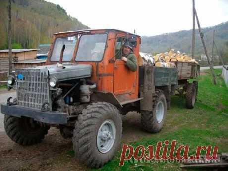 Самодельный трактор сделанный своими руками Трактор построенный умельцем Иваном Крапивиным, из запчастей грузовых автомобилей и тракторов. Трактор зарегистрирован в ГАИ и прошел техосмотр. Читать далее...