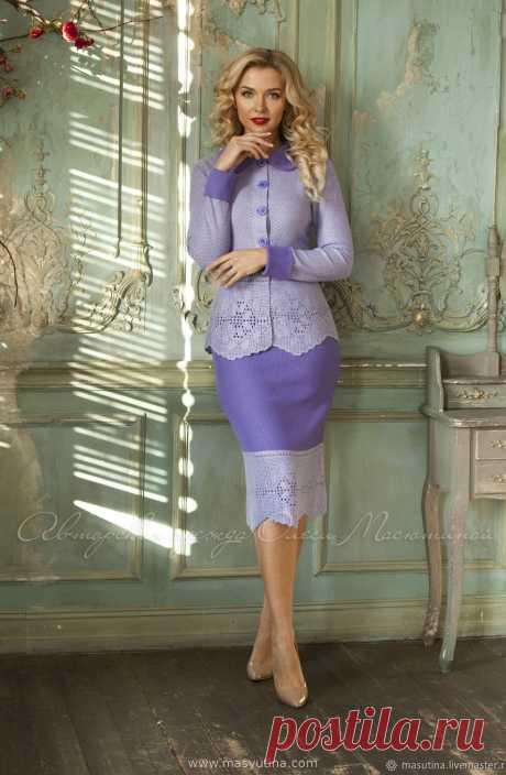"""Костюм """"Сиреневое облако"""" Очаровательный вязаный деловой костюм в сиреневой гамме! Костюм состоит из жакета на пуговицах и юбки-карандаш! Кружевные детали выполнено вручную, 100% Handmade, филе"""