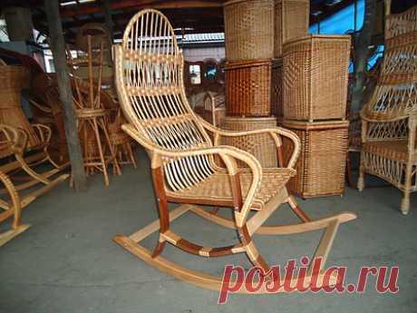 """Кресло-качалка из лозы """"Разборная 3"""": 1300 грн., кресла-качалки от """"Vlado """"Изделия из лозы"""". Плетеная мебель из лозы,кресла-качалки,корзины,изделия из лозы на заказ."""" - 74721902 плетені меблі, плетені крісла, корзини для білизни, стільці, дивани плетені ліжка, качалки, канапки, крісла-гойдалки, вироби з лози іза"""