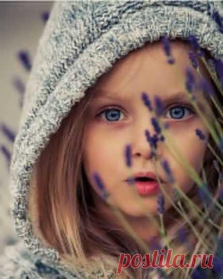 ...Жизнь не дает нам гарантии .... Она даёт нам возможности....
