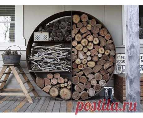 Вариант хранения дров на даче.