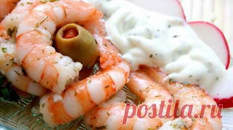 Морепродукты не только вкусны, но и полезны. А эти креветки под соусом — это нечто!  Креветки — очень вкусное лакомство. С этим сложно не согласиться. А если приправить их ароматным соусом со специями, получится совершенно восхитительное блюдо. Обязательно приготовь креветки по таком…