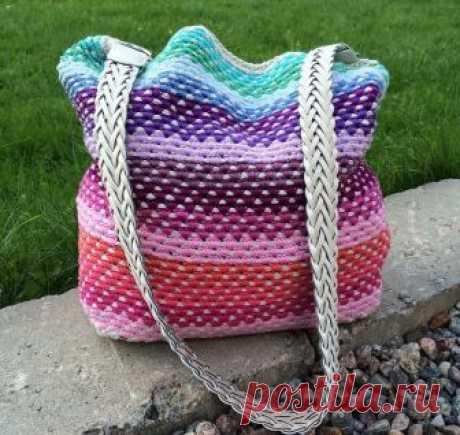 Оригинальный способ вязания сумки-мешка крючком.
