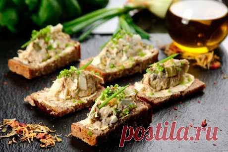 Вкусные бутерброды с копченой скумбрией – пошаговый рецепт с фото.