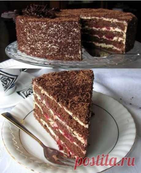 Торт с вишнями и халвой.