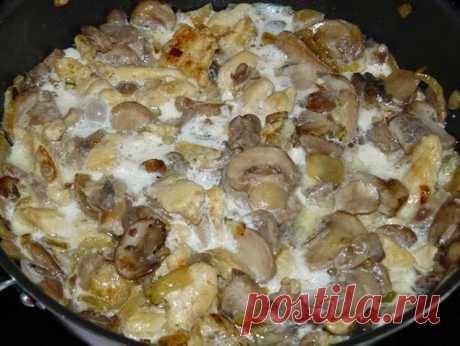 Куриное филе с грибами Куриное филе с грибами Удобно, когда надо быстро приготовить что-то к ужину. Минимум продуктов, минимум времени на их приготовление.