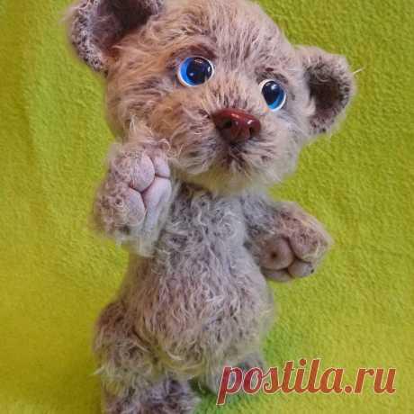 Мишка Топтыжка. Стихотворение про мишку, который очень любит играть в паровозик. Амигуруми мишка Топтыжка связан крючком #МишкаТоптыжка #Стихотворениепромишку #крючок #мишка #медвежонок #игрушка #вязанаяжизнь #вязанаяигрушка #вязание #вязаныймишка #амигруми #амигурумимишка