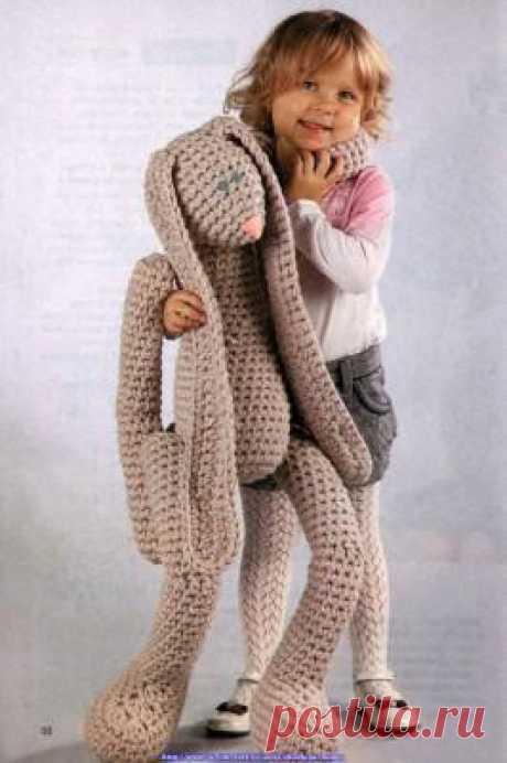 Огромный вязаный заяц | Вязание для детей спицами и крючком.