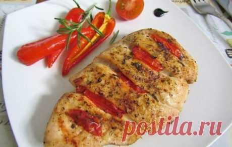 Куриная грудка с помидорами на сковороде — Sloosh – кулинарные рецепты