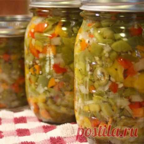 👌 Восхитительные маринованные овощи по-итальянски, рецепты с фото Сегодня мы приготовим маринованные овощи по-итальянски. Такая закуска в Италии носит название «Гардиньера». Она представляет собой миксиз нескольких овощей — болгарского перца, пе...