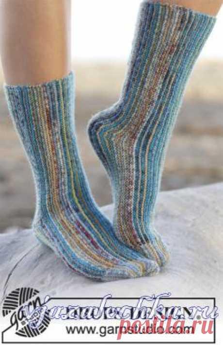 Носки спицами поперечным вязанием