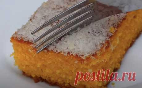 Морковник получился сочнее тортов. Натираем 3 моркови, а муку заменяем манкой