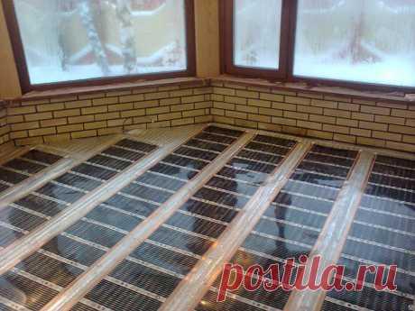 Как с помощью недорогого инфракрасного теплого пола и специального ламината можно отопить небольшой дом загородом. Простые и современные строительные решения на сайте Воронеж Stone Floor   #отоплениетеплымполомвдоме#Воронеж#Stonefloor
