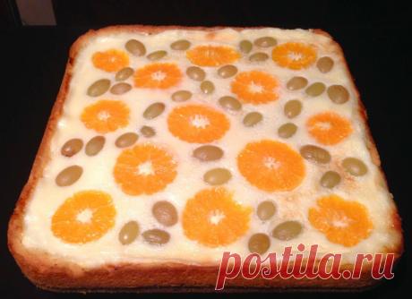 Пирог с творогом и фруктами Очень вкусный, красивый, из рассыпчатого песочного теста с нежной творожной начинкой и яркими фруктами