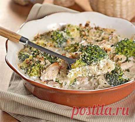 Chicken baked pudding with broccoli