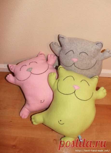Позитивные котики. Подушки-игрушки.