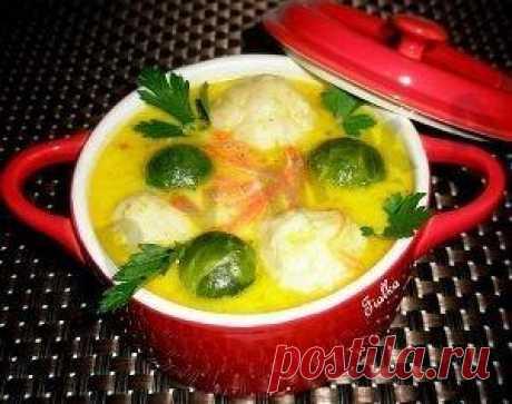 Сырный суп с брюссельской капустой и картофельными клецками | Рецепт 1000.menu