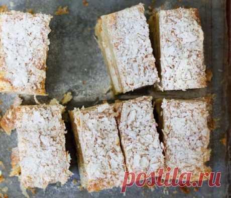 Пирожное Наполеон - Пошаговый рецепт с фото своими руками Пирожное Наполеон - Простой пошаговый рецепт приготовления в домашних условиях с фото. Пирожное Наполеон - Состав, калорийность и ингредиенти вкусного рецепта.