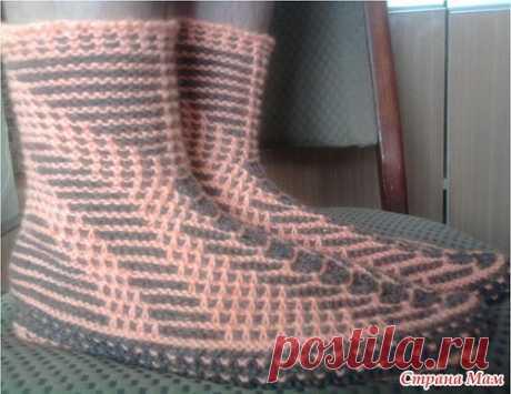 Интересный способ вязания носков на двух спицах