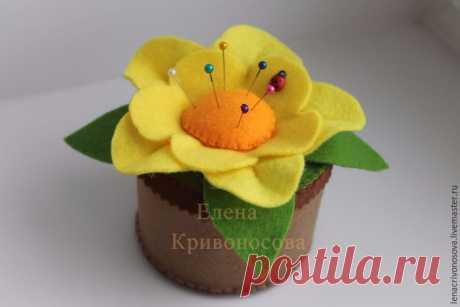 Мастер-класс: цветок-игольница из фетра