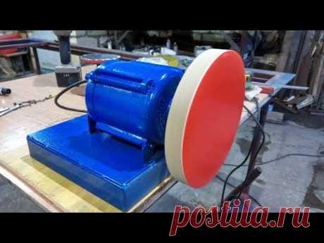 El objeto de fabricación casera abrupto del motor de la lavadora