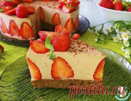 Творожный муссовый торт с клубникой – кулинарный рецепт