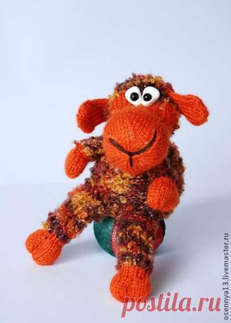 Овечка Рыжик - рыжий,вязание спицами,вязаная игрушка,авторская игрушка