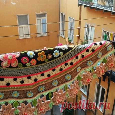 Goodmorning Naples! #bellanapoli #iloveitaly #uncinetto #atelierbonita_loka #adindasworld #cochetersofinstagram