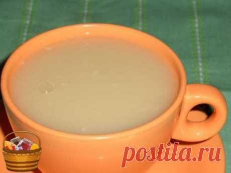 Овсяный кисель восстанавливает здоровье Овсяный кисель полезен для желудка, печени и почек. Он растворяет камни в желчном и мочевом пузыре, снижает холестерин в крови. Овёс восстанавливает силы, даёт энергию, помогает от депрессии. Для приготовления нужно взять - 1 стакан овсяной крупы - 5 стаканов воды Поставить на огонь и кипятить на слабом огне до состояния жидкого киселя. Затем добавить молоко до первоначального объёма и прокипятить. Когда немного остынет, добавить 4 ст. л. мёда ил