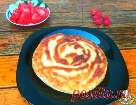 Слоеные лепешки на сыворотке с сыром – кулинарный рецепт