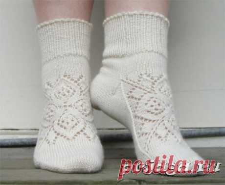 Вязаные носки с красивым орнаментом (Вязание спицами) – Журнал Вдохновение Рукодельницы