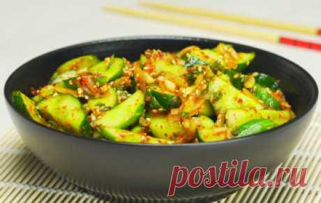 Острые огурцы по-корейски Многообразие корейской кухни поражает воображение даже знатного гурмана. Рецептов приготовления огурцов в корейской кухне множество, и каждый рецепт особенный. Это только на первый взгляд кажется, что…