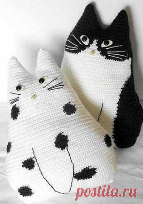 Подушка Кот крючком