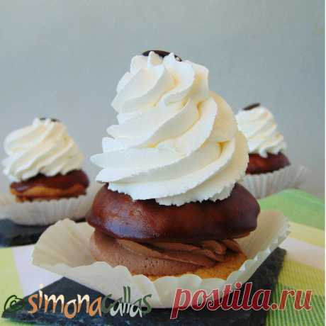 Indiene de cofetarie cu frisca si ciocolata – o prajitura clasica - simonacallas