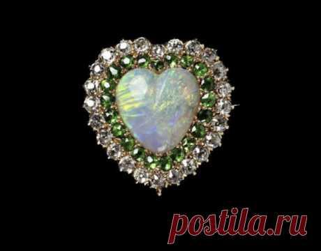 ТОП-10 украшений с демантоидами - GEMSTONES сайт о драгоценных камнях, самоцветах и лучших ювелирных украшениях