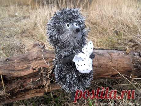 """Мастер-класс «Вязаный Ёжик в тумане» – HandMade39.ru Вязанный крючком Ёжик в тумане - мастер-класс. Вязание """"травкой"""". Как сделать узелок из ткани. Вязаные игрушки авторская работа заказать, купить."""